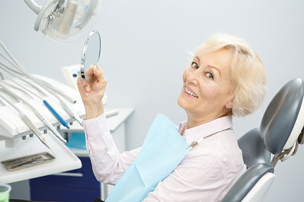 Dental-Implant-Consultation